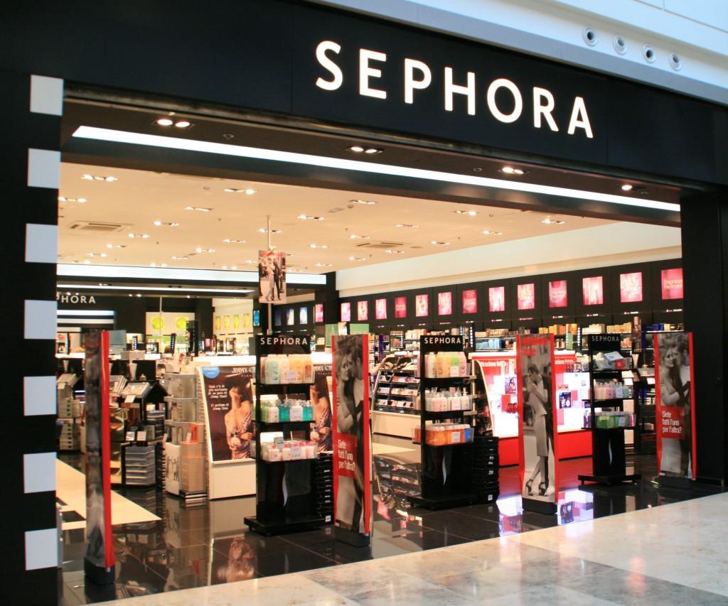 Novit sephora il beauty store di pisa e il fondotinta for Piani di garage con lo spazio del negozio