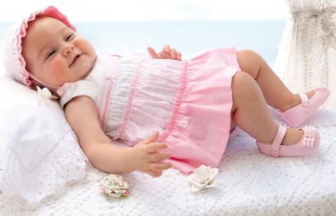 a3f9a6889f7b Abbigliamento neonata online  consigli e info dove comprare - Beauty ...