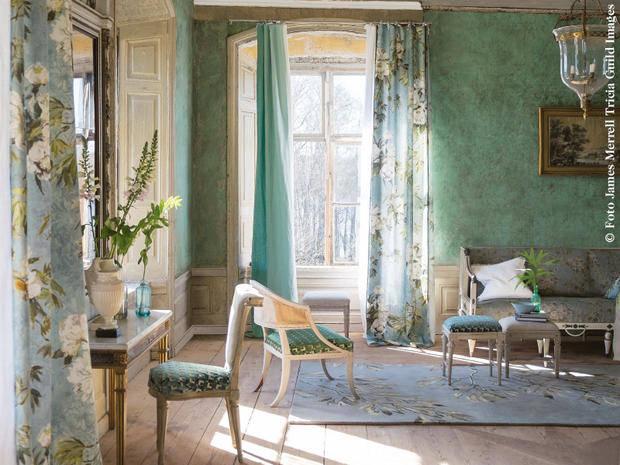 Lo stile gustaviano come arredare un hotel beauty blog for Camino esterno in stile spagnolo